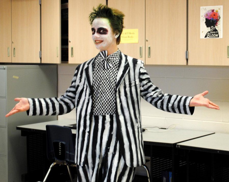 It%27s+showtime+with+Griffin+Lee+dressed+as+Beetlejuice+during+Superhero+%2F+Rock+Star+%2F+Celebrity+Day.+