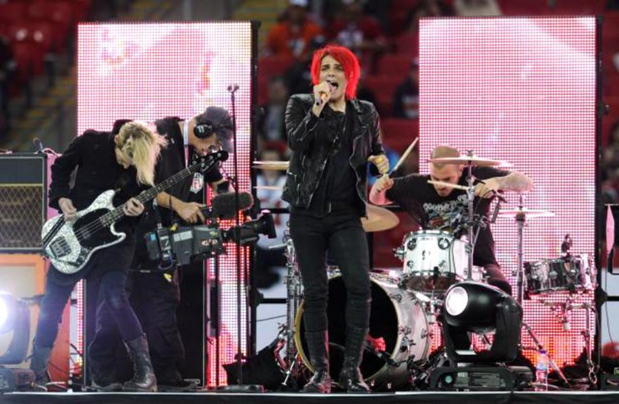 Lead+singer+Gerard+Way+front+My+Chemical+Romance+at+Wembley+Stadium.